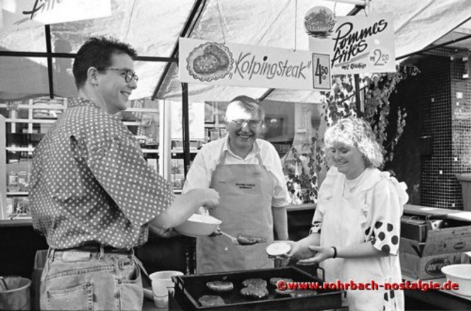 1993 Bei der Kolpingfamilie gibt es Kolpingsteak