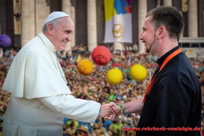 Ein unvergessener Tag ist 2014 die Begegnung des Rohrbacher Priesters Carsten Leinhäuser mit Papst Franziskus in Rom