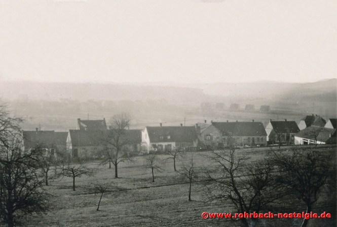 1950 Blick von der Ebertstraße in die Schlawerie. Im Hintergrund schemenhaft die Kaiser- und die Mühlstraße. Noch fehlt im Vordergrund die Spieserflurstraße