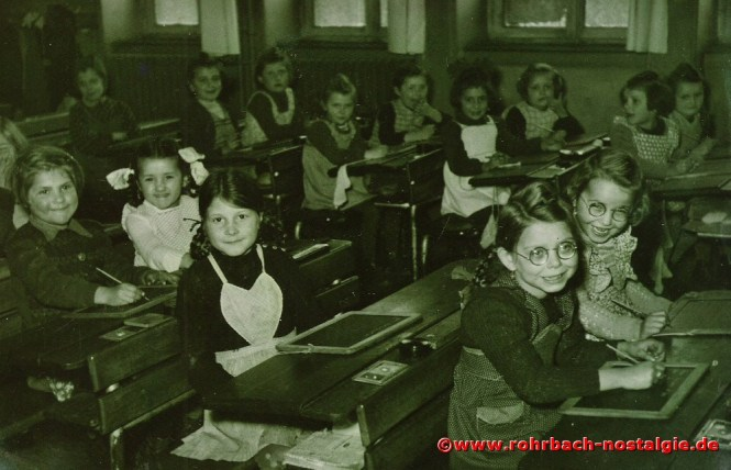 1951 Mädchen des Jahrganges 1945 in der Wiesentalschule