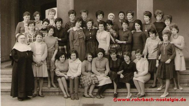 1962 Die Mädchen des Jahrganges 1947 im 9. Schuljahr in Niederwürzbach
