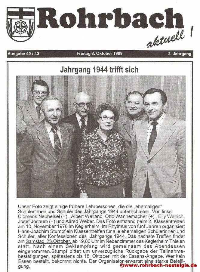 1999 Einladung zu einem Klassentreffen des Jahrganges 1944. Das Foto aus dem Jahr 1978 zeigt die Lehrpersonen Clemens Neuheisel – Albert Weiland – Otto Wannemacher – Elli Weirich – Josef Jochum – Alfred Weber