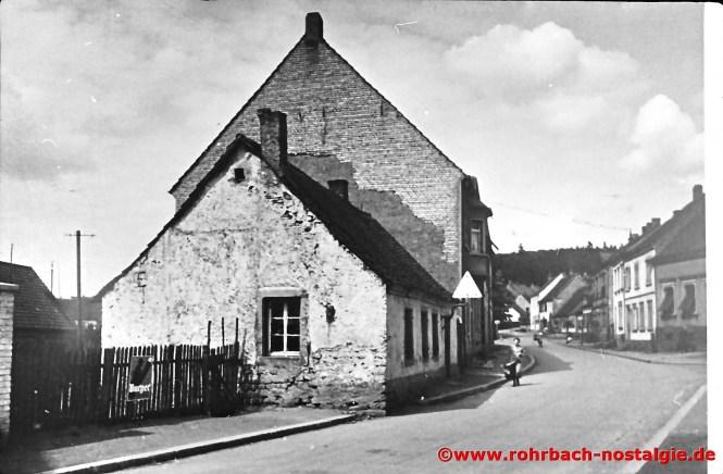 Blick in die Spieserstraße um 1930. Vorne im Bild wo das kleine Haus sich befindet ist heute der Parkplatz am Wiesentalschulhaus.