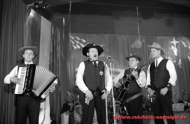 1967 Die 4 Bierkehlchen Gerhard Fuß, Albert Knoch, Günter Weiland und Günter Hermann unterhalten das närrische Volk mit Westernsongs