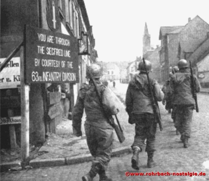 * Am 21. März 1945 marschieren amerikanische Soldaten in Rohrbach ein. Auf dem Foto GI's an der Drehscheibe