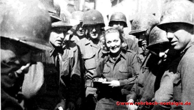 * Marlene Dietrich in Kirkel bei der amerikanischen Truppe