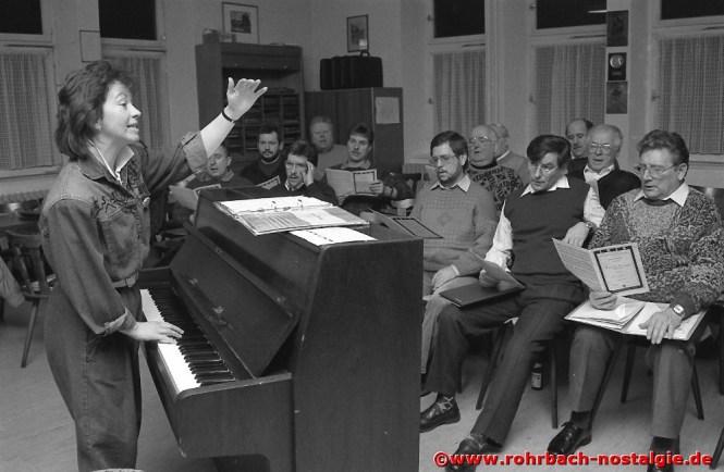 1991 Chorprobe mit der Dirigentin Frau Marliese Maurer-Hurth