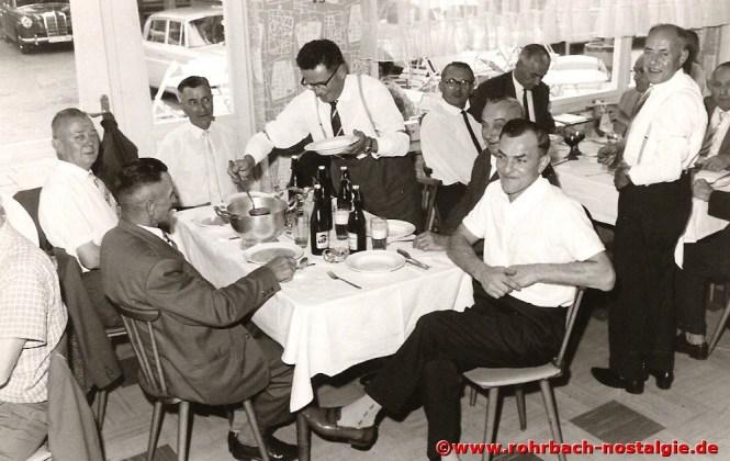 Um 1960 Bei einer Familienfeier