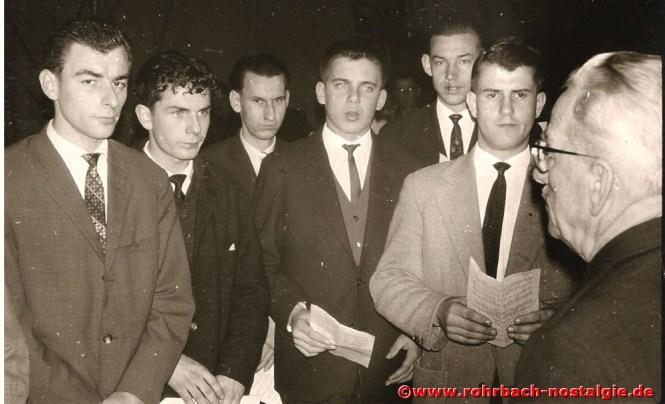 1962 Bei einer Chorprobe: von links Rudi Klein, Friedhelm Emrich, Hans Dieter Mungai, Franz Deckarm (Persil), Peter Josef Staut und Robert Bayer