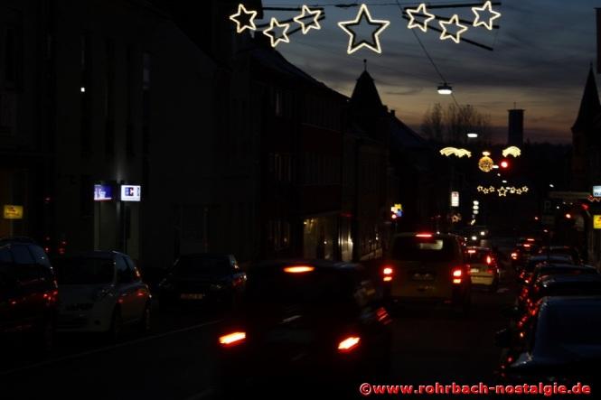 Weihnachtliche Stimmung in der Kaiserstraße (Foto: Walter Gehring)
