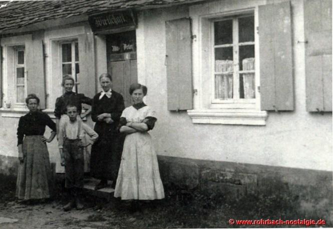 Um 1900 - Die erste Wirtschaft auf dem Glashütterhof. Um 1920-21 wird sie geschlossen und 1934 wegen Baufälligkeit abgerissen