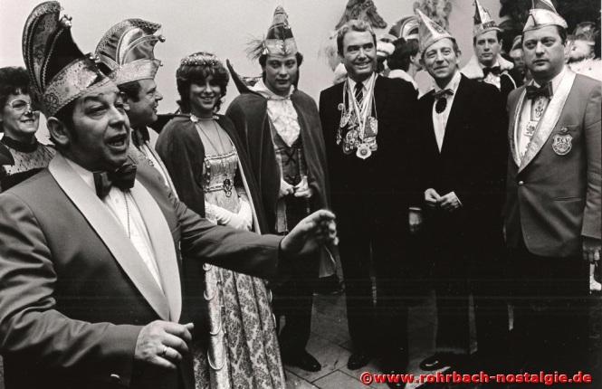 1984 Albert Senzig mit dem Rohrbacher Prinzenpaar Monika I. und Georg I. von den Stampessen, bei der Narrenschau in Saarbrücken mit Ministerpräsident Werner Zeyer in der Staatskanzlei. Rechts auf dem Foto der Präsident der Rohrbacher Stampesse, Hans Joachim Stumpf