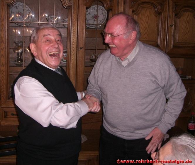 2008 am 6. Februar: Kurt Wachall gratuliert seinem früheren Kollegen Albert Senzig zum 80. Geburtstag