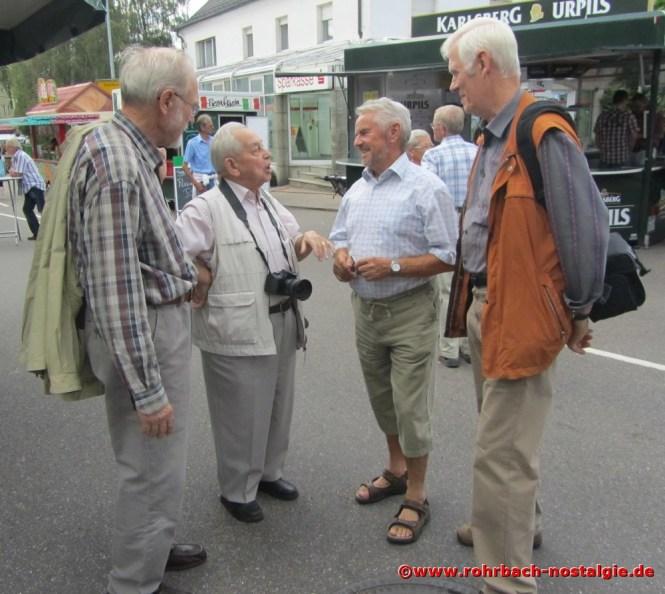 2012 Albert Senzig bei der Eröffnung des Alt-rohrbachfestes im Gespräch mit günter Weiland. links im bild Freidrich Müller und rechts Walter Gehring