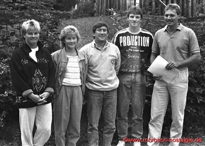 1984 Neue Skikurs-Leiter des TV 66. Von linls: Fuß, Sonja Hermann, Heinz Hemmer, Christian Abel und Jörg Hermann