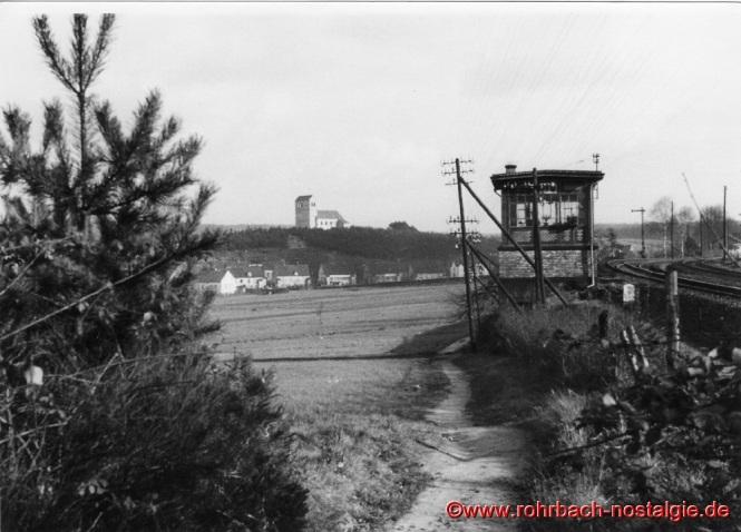 Hier am Stellwerk in den Königswiesen führt der tägliche Schulweg vorbei