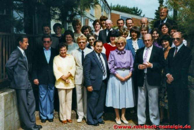 1984 Albert Senzig mit seinen Kollegen und Kolleginnen von der Johannesschule, ganz rechts Schulrat Egon Fisch