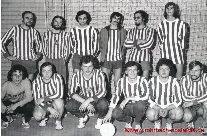 Anfang der 70er Jahre - die Volleyballer des TV 66