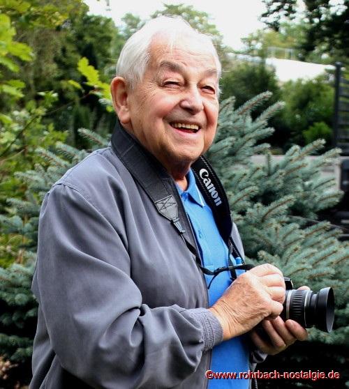 2013 Albert Senzig mit seiner Kamera