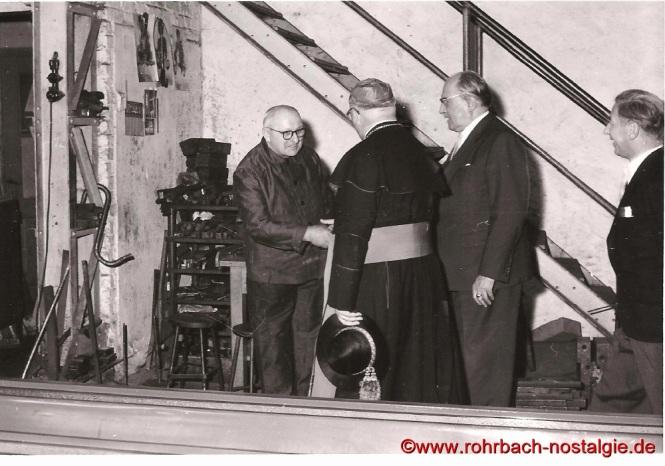 1959 Bischof Isidor Markus Emanuel begrüßt den Rohrbacher Bürger David Haselmaier