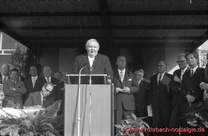 Am 20. Juni 1965 weilt Bundeskanzler Ludwig erhard anlässlich des bundestagswahlkampfes in Rohrbach