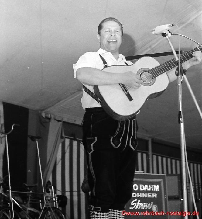 1968 Franzl Lang - Sänger, Jodler, Gitarrist Akkordeonspieler beim SPD Maifest