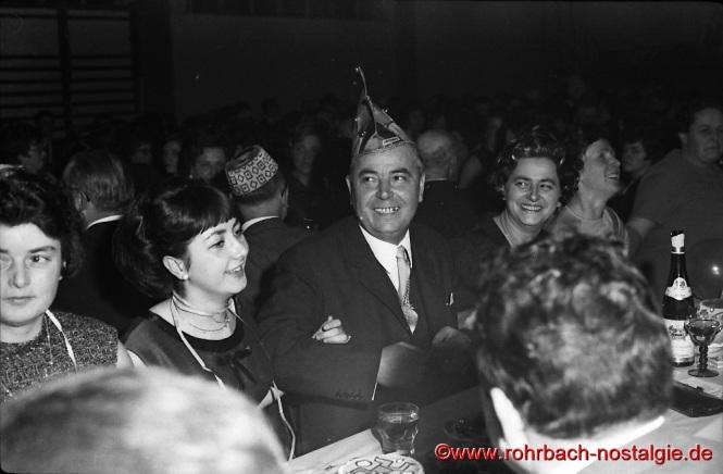 1968 Der ssarländische Ministerpräsident Franz-Josef Röder bei der CDU-Faschingsveranstaltung in der TG Turnhalle