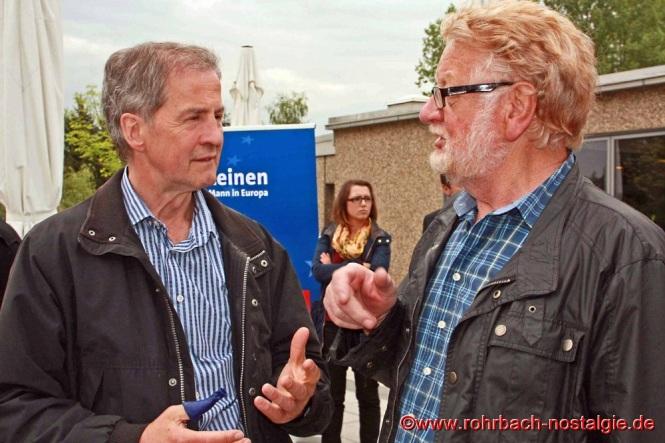 2014 Der saarländische SPD-Europaabgeordnete Jo Leinen beim Maibaumaufstellen mit dem Vorsitzenden der Rohrbacher SPD Hermann Schmees