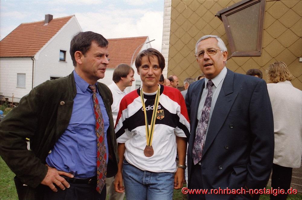 Der Beigeordnete der Stadt St. Ingbert Walter Ammon und der Rohrbacher Ortsvorsteher Bodo Schiehl
