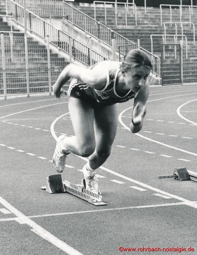 Sommer 1993 Sandra abel bei Startübungen im Homburger Waldstadion