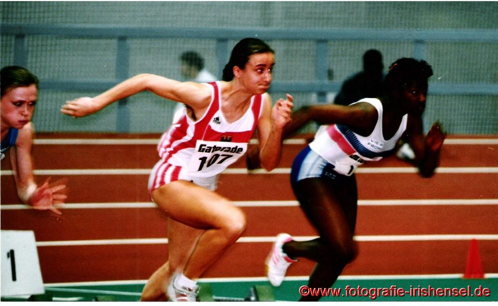 1995 Beim Dreiländerkampf in Erfurt. Sandra Abel bezwang im 60 m Sprint in neuer persönlicher Bestzeit von 7,47 sec. die besten Nachwuchssprinterinnen von Russland und Großbritanien