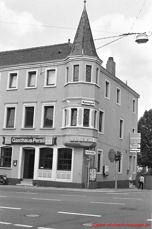 Das Gasthaus Persil in den 80er Jahren mit seinem markanten Türmchen