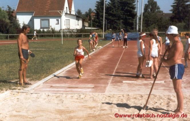 1987 Sandra Abel beim Weitsprung in Rehlingen