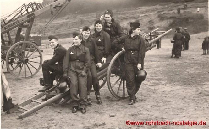 1943 Die Frauen der Rohrbacher Feuerwehr